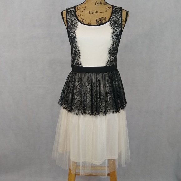A'Reve Dresses & Skirts - A'reve Dress Size S Boho Cream White Black Lace